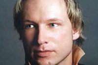 Iensume opsluting Anders Breivik is oantaasting minskerjochten