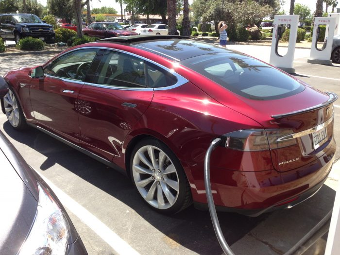 In Tesla S (foto: Wikipedia/Jusdafax)