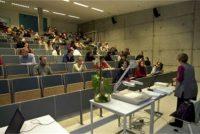 Universiteiten en hegeskoallen kinne ûnwettich gebrûk Ingelsk net goed útlizze