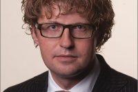 Dekker stiet noed foar Frysktalich media-oanbod