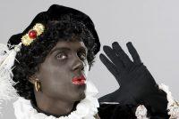 Online merklieder yn feestklean past Swarte Pyt oan nei rassistysk kommentaar