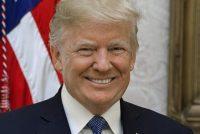 Trump hinget flagge trije dagen healstôk