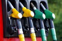 Benzinepriis yn Nederlân hast twa euro