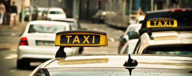 Fryske reizgers binne golle tipjouwers yn taksy
