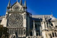 Earste mis yn Notre Dame nei grutte brân
