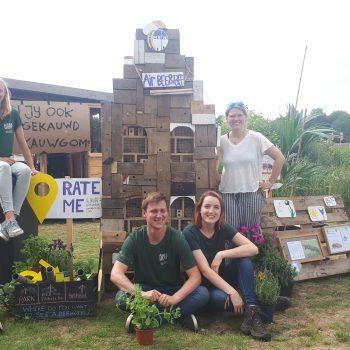 Studinten bouwe duorsum bijehotel op Welcome to The Village