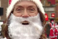 Krystmannen drave troch Ljouwert foar earmeljusbern