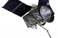 NASA-sonde ferliest kostber grús fan planetoïde