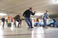 Skate yn parkeargaraazje Hearrenfean