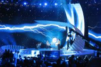Tsien lannen troch nei finale Eurofyzje Sjongfestival