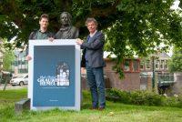 Yntekenje op boek 'Onder Frieslands grauwe hemel'