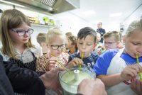 Streeksimmer yn Fryslân: lekker lokaal ite op fakânsje