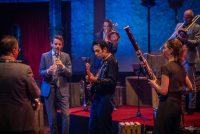 Nederlânsk Blazers Ensemble spilet 'Troubadours'